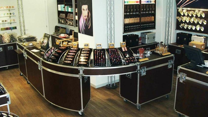 Espaces de vente Make Up For Ever Boutiques et corners dans aéroports et grands magasins